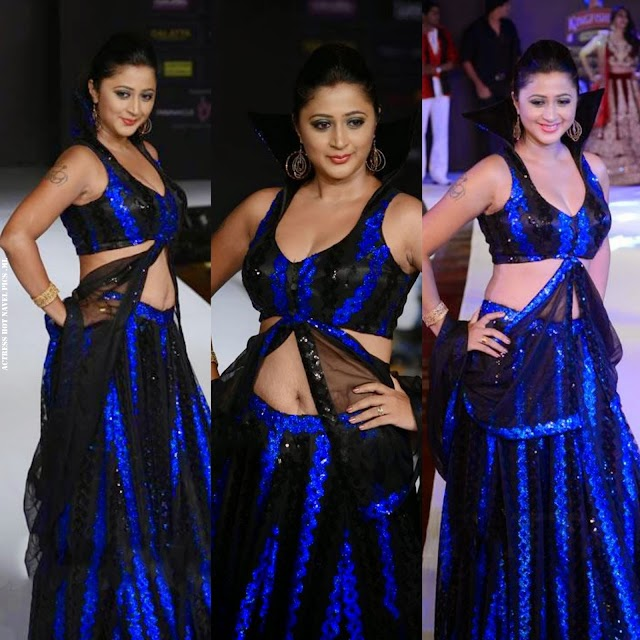 Actress Kaniha Hot Navel and Cleavage Show On Ramp