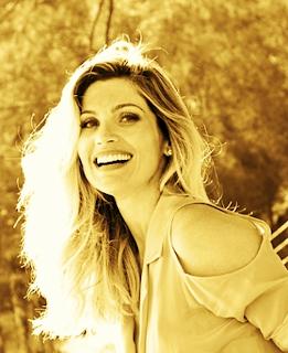 eaf0fa6b28 Eu amo completamente a diva Flávia Alessandra. É um amor infinito e  especial. O amor que eu sinto é igual ao de filho (a)