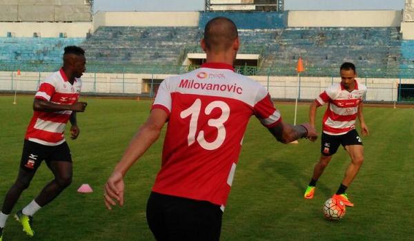 Madura United Klaim Pemain Asingnya Tak Terkendala KITAS dan Bisa Main