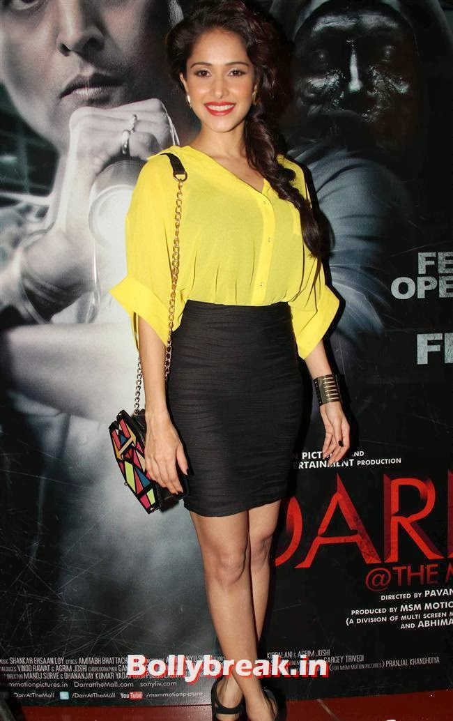 Nushrat Bharucha, Nushrat & Nivedita at 'Darr at The Mall' First Look Launch
