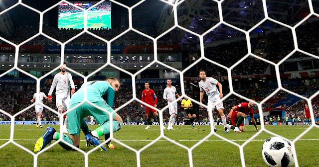 David De Gea howler for Ronaldo goal| Portugal 2-1 Spain (Video)