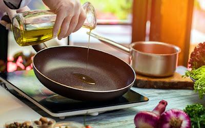 olive oil in a saucepan