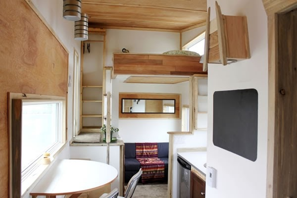 02-Bedroom-Living-Room-Leaf-House-Architecture-of-a-Tiny-Home-on-Wheels-www-designstack-co