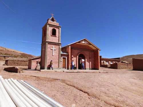 Die neue Kirche in Guadalupe, die wir in zweijähriger Bauzeit vollenden konnten. Hier haben wir immer sehr guten Kirchenbesuch. Ein religiöses Volk diese Guadalupenos.