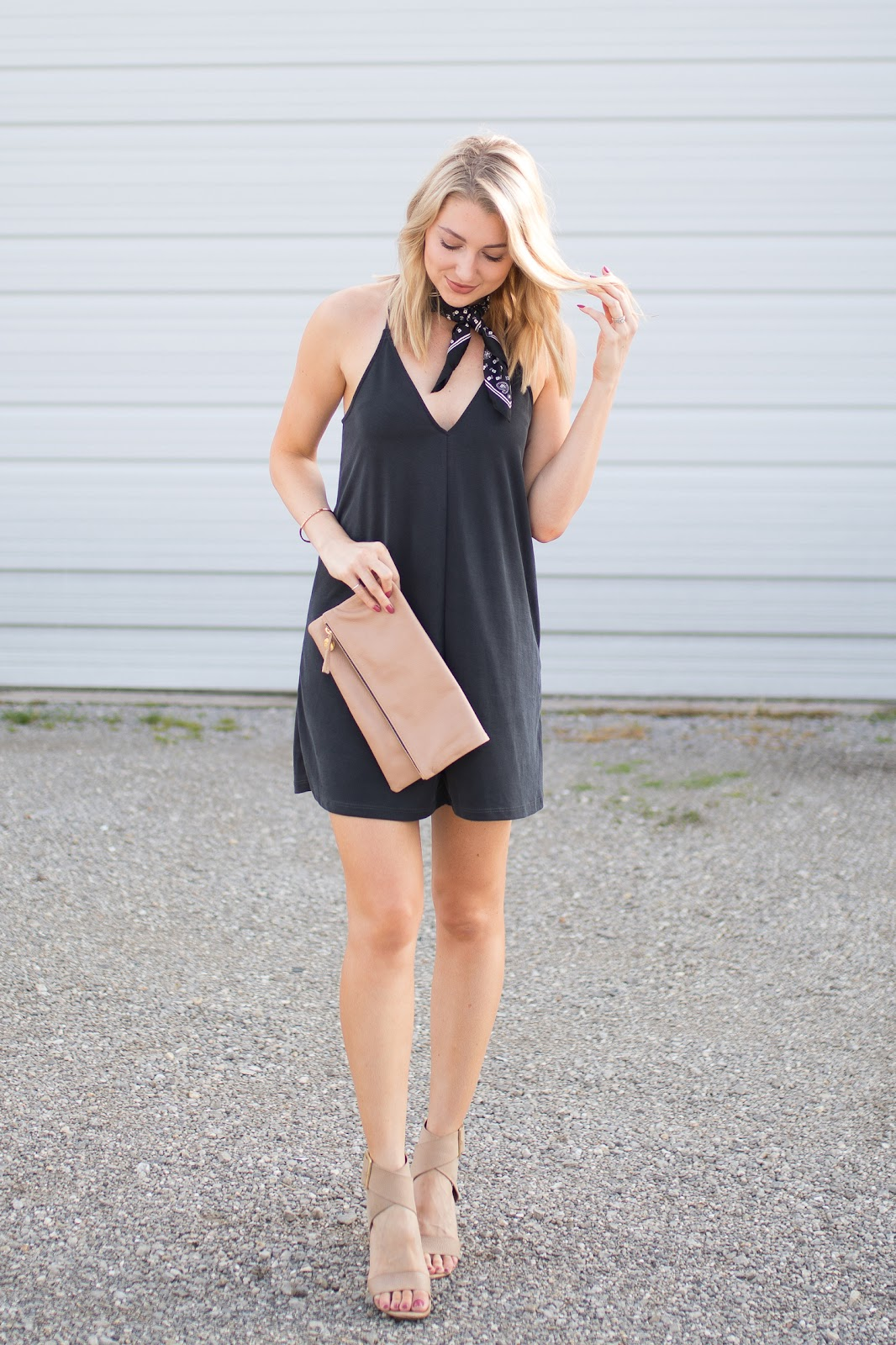 Dark gray dress with nude accessories