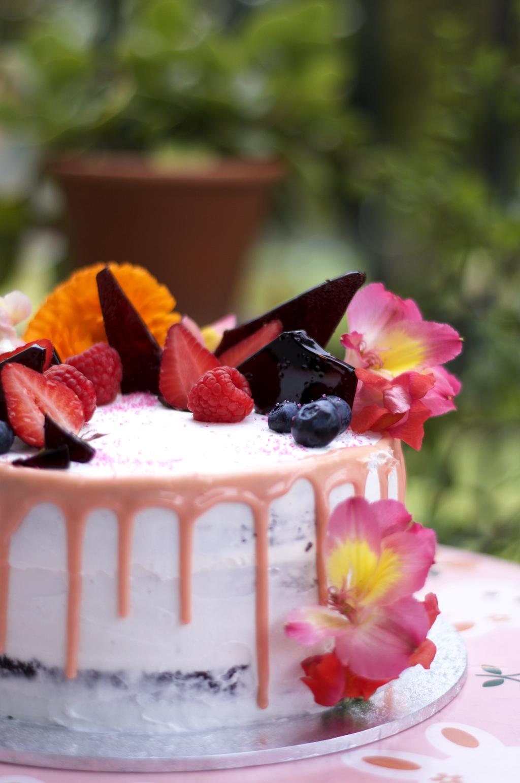 my little panda kitchen, cake, bespoke cake, vegan, elashock, karen okuda, konichiwakaren