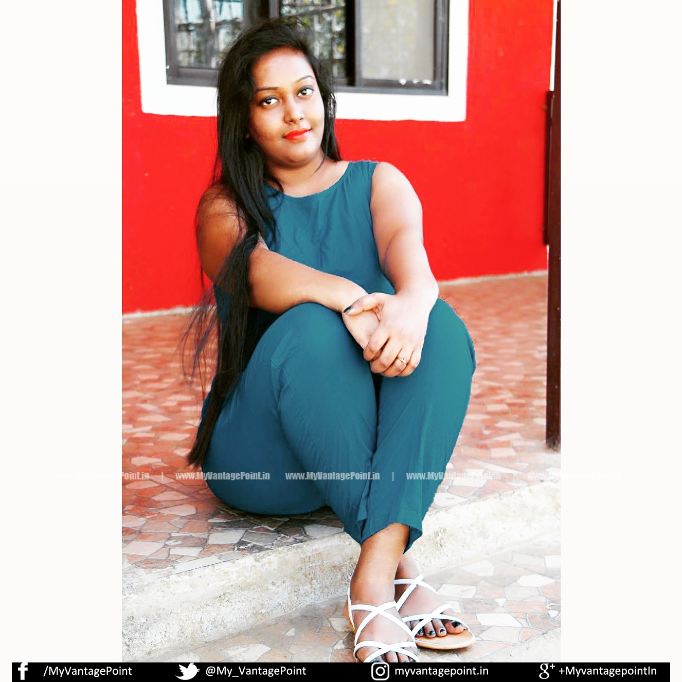 Agnessa Raman in jump suite, Agnessa Raman thunder thighs, Agnessa Raman hot legs