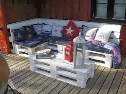 Divano Pallet Esterno : Gommapiuma per cuscini e tappezzeria: divano con bancali di legno