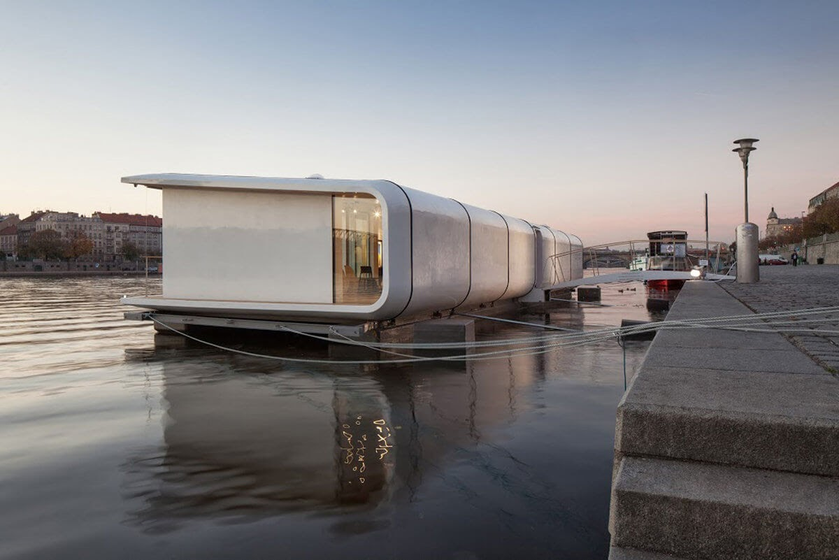 14-Atelier-SAD-Open-Plan-Houseboat-Architecture-www-designstack-co