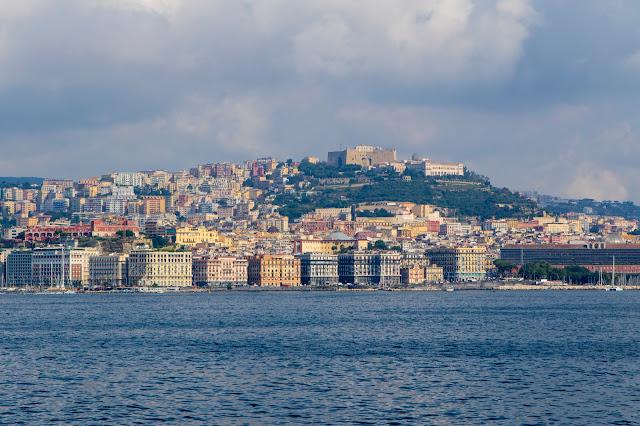 Napoli vista dal mare
