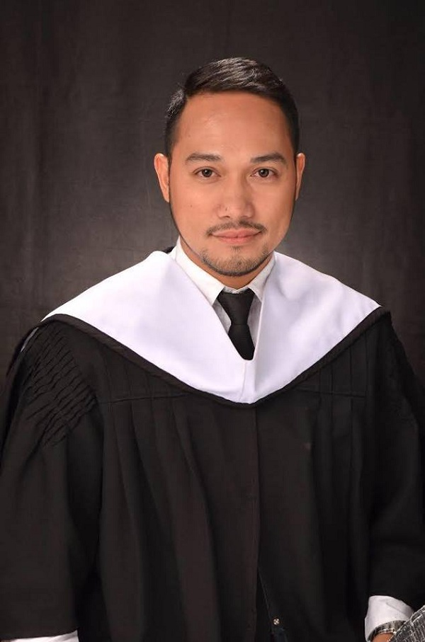 30-Year-Old Man Earns College Degree, Graduates Magna Cum Laude