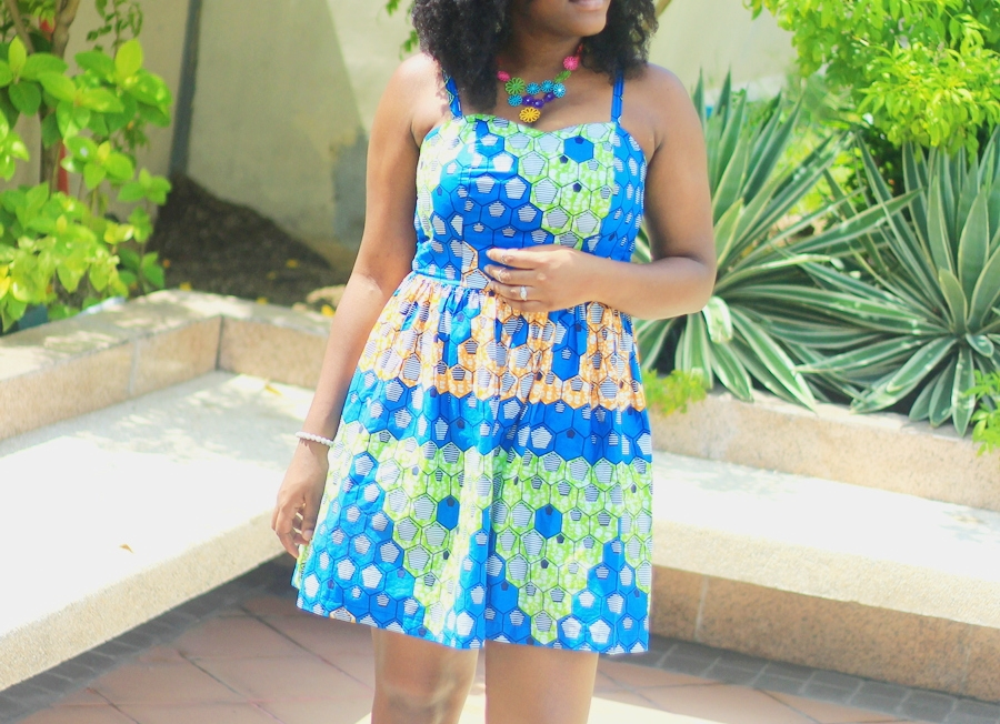 Photo de belle robe en pagne