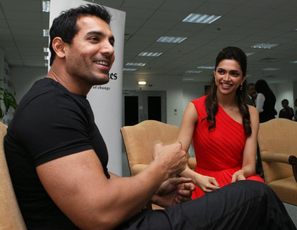 Laugh Pictures: Deepika Padukone and John Abraham at ...