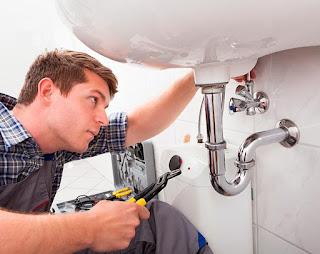 Cómo sustituir el desagüe del lavabo