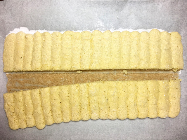 Cut Sheet Tray of Lady Fingers