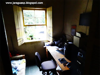 Um dos cômodos da residência
