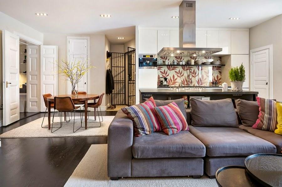 Apartament w Szwecji z kontrastową ścianą, wystrój wnętrz, wnętrza, urządzanie domu, dekoracje wnętrz, aranżacja wnętrz, inspiracje wnętrz,interior design , dom i wnętrze, aranżacja mieszkania, modne wnętrza, styl klasyczny, styl nowoczesny, ceglana ściana, ściana z cegły, salon, kuchnia, jadalnia
