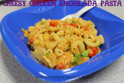 Cheesy Chicken Enchilada Pasta - dare you to eat just one bite of this cheesy pasta dish! #chicken #pasta #enchilada #dinner