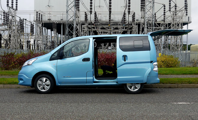 Nissan e-NV200 side view, doors open