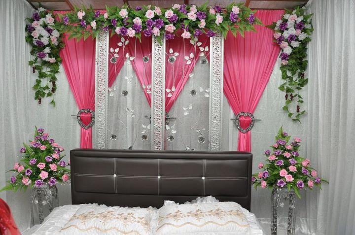 Set Bilik Tidur Bidar Besi Tirai Jendela Warna Tema Pink Putih