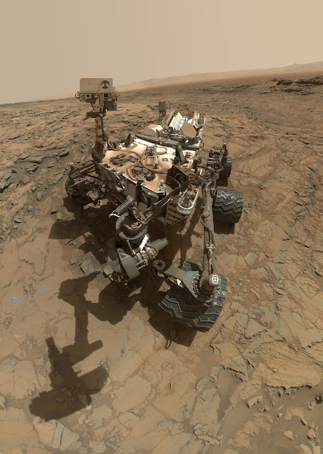 mars rover taking a selfie