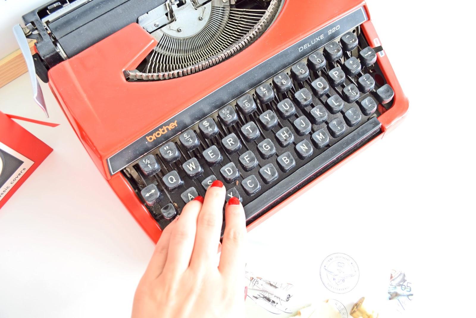 Działająca maszyna do pisania