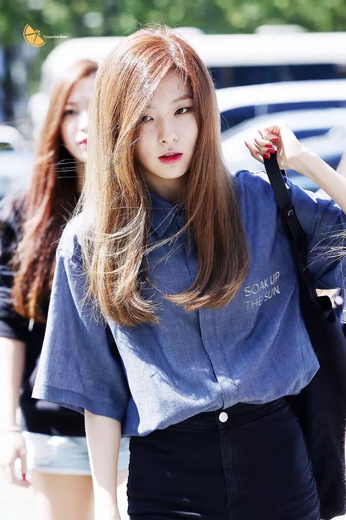 velvet seulgi airport kang gi seul kpop korean 슬기 hair android iphone sm short 벨벳 레드 asiachan pop official irene
