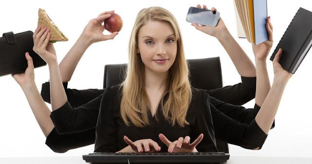 """""""Multitasking"""" dengan Dua Perangkat Teknologi Bisa Merusak Otak"""