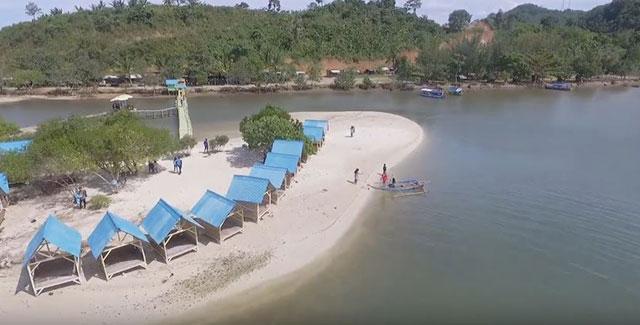 saung di pantai dewi mandapada