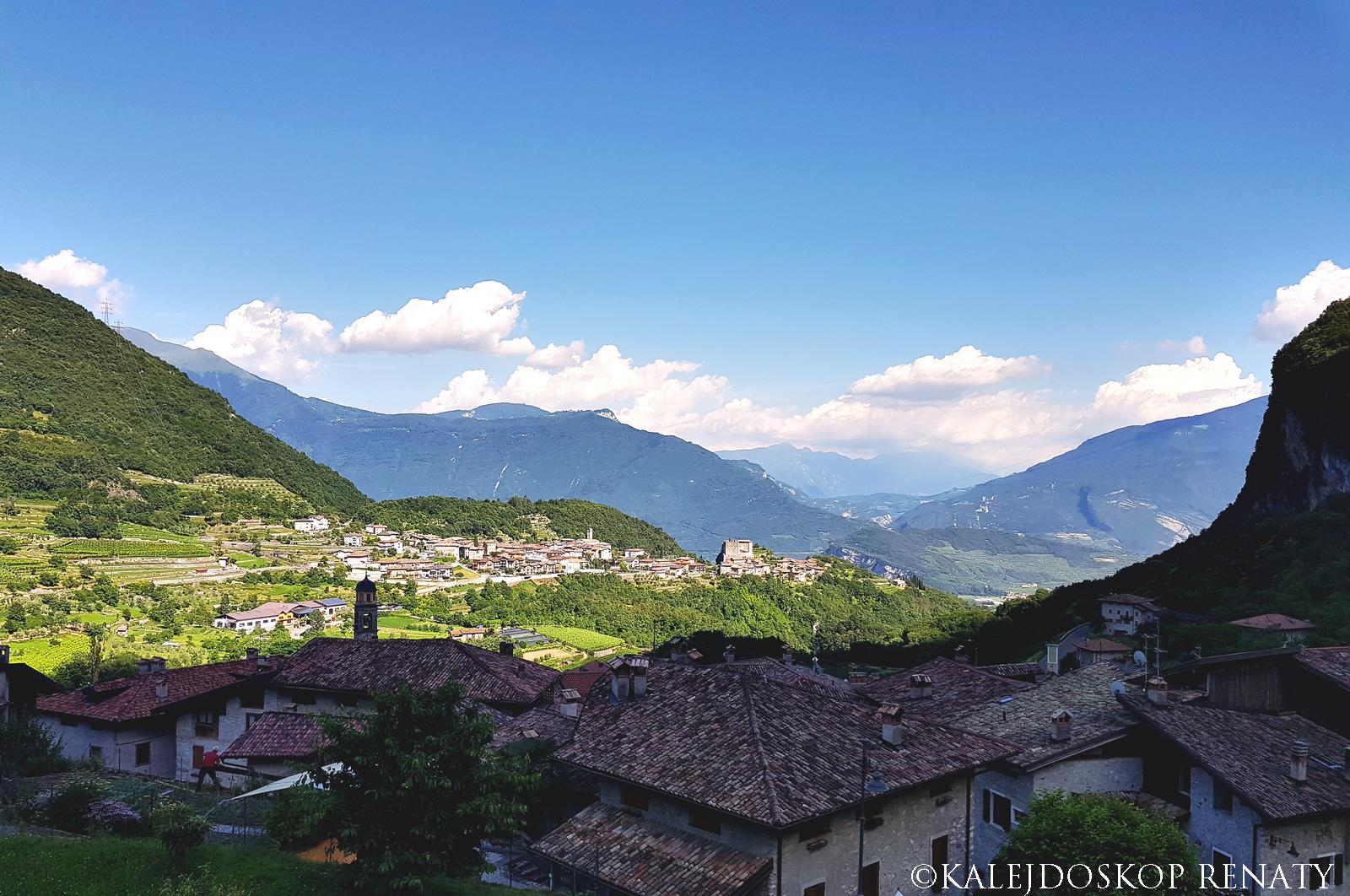 kamienne miasteczka, włoskie miasteczko na wzgórzu