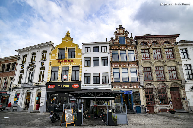 Oudenaarde, extremo sur de la Plaza del Mercado por El Guisante Verde Project