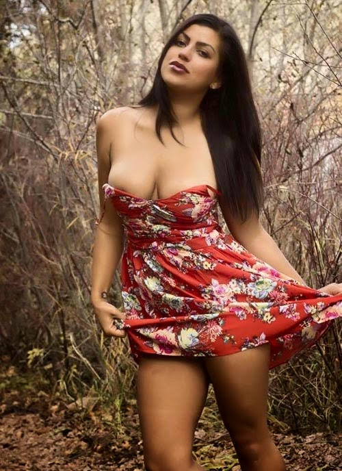 Mega Collection Of Sexy Indian Girls Posing In Hot Short -1865