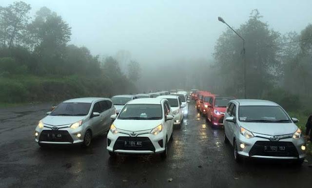 Naik Kendaraan Mobil ke Situ Patenggang Ciwidey Bandung