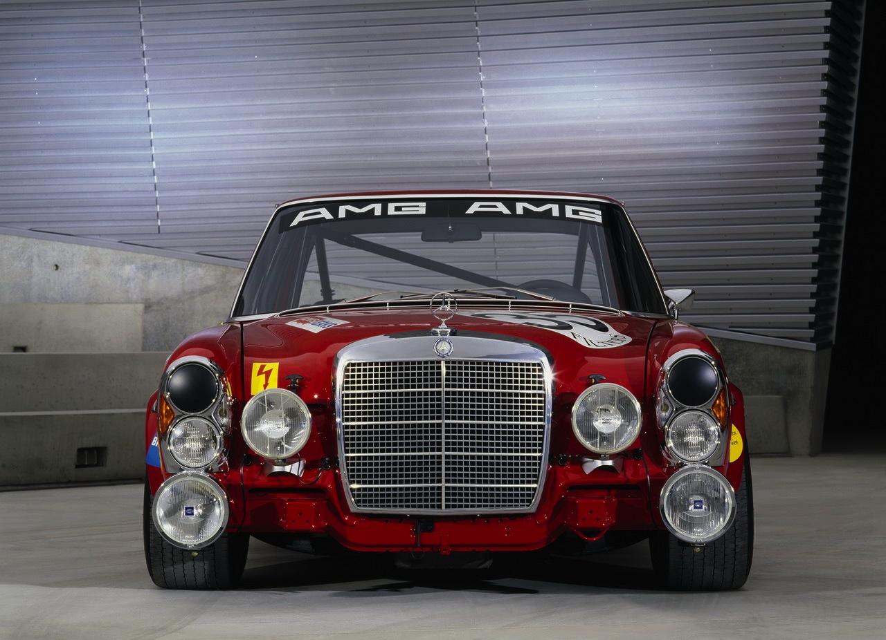 fab wheels digest f w d 1971 mercedes benz amg 300sel 6 3 race car w109 the red pig. Black Bedroom Furniture Sets. Home Design Ideas