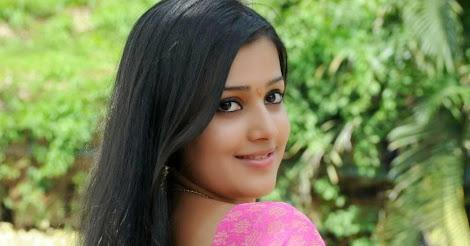 tamil desi bhabhi pics in pink saree   samskruthy shenoy   3 pics