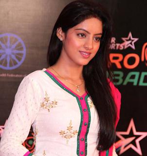 Profil Deepika Singh Terbaru