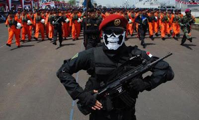 barisan-pasukan-kopaska-komando-pasukan-katak-terbaik-indonesia-tahun-2016