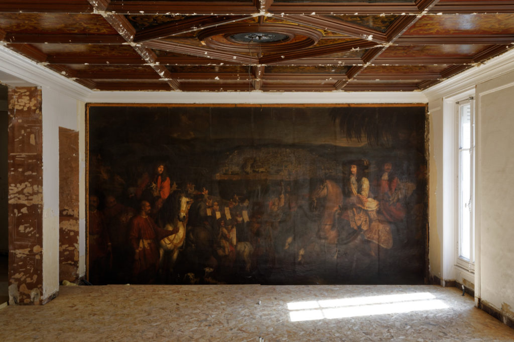 Workers Uncover A 17th Century Painting By Arnould De Vuez Behind A