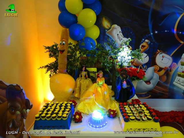 A Bela e a Fera, mesa decorada festa infantil