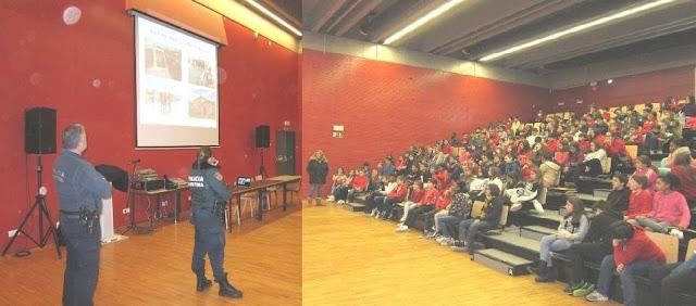 """Polícia Marítima foi à escola de Carcavelos promover """"Cidadania Marítima"""""""