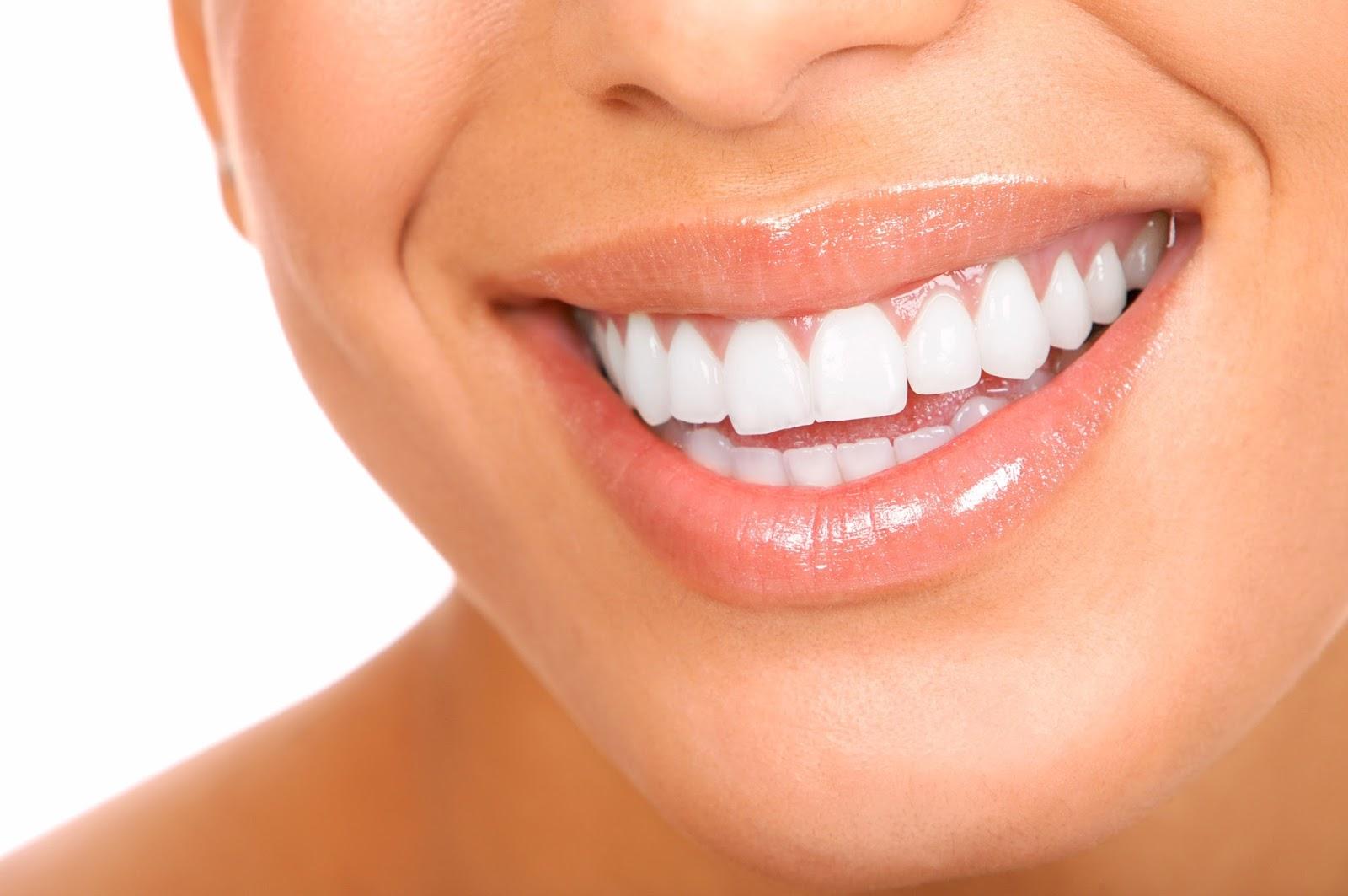 10 Tips Menghilangkan Bau Mulut