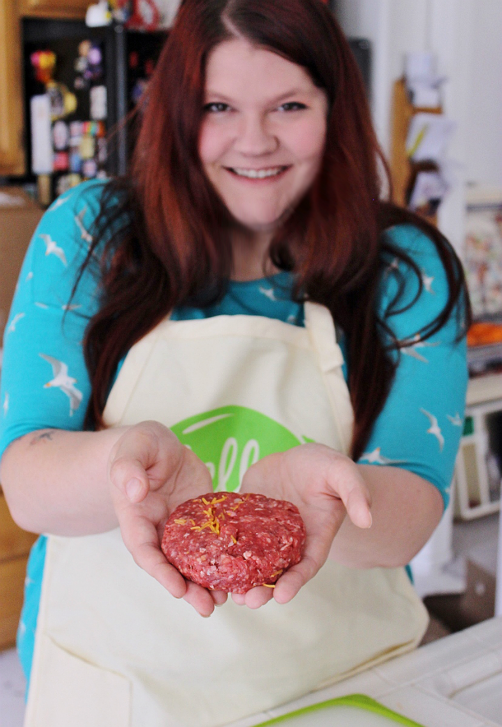 Stuffed Juicy lucy burgers with HellowFresh #AD