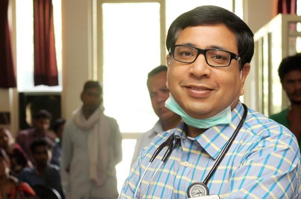 Dr. Tarun Singhal Veteran Consultant Physician in Agra