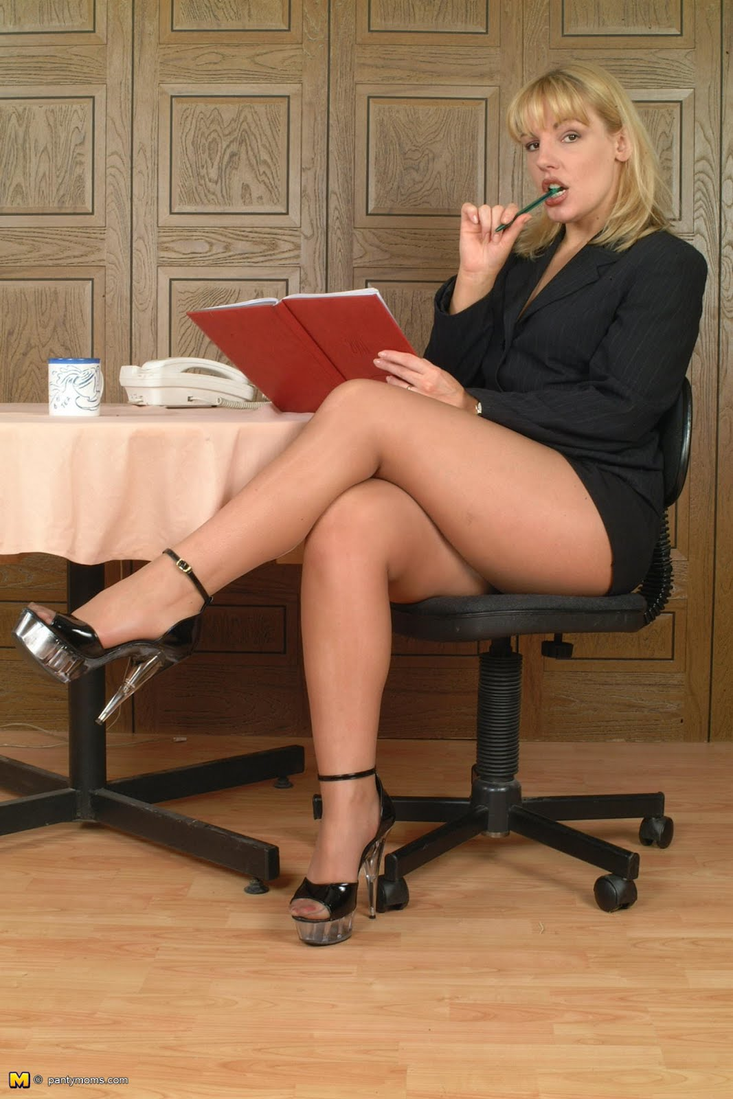 Mature Secretaries Forced Upskirt Cocks Tube - Milf -8252