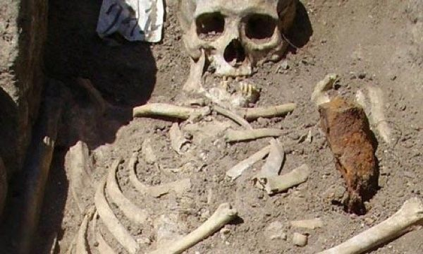 The discovery of the skeleton's bones are similar to Vampires in Lesbos, Greece