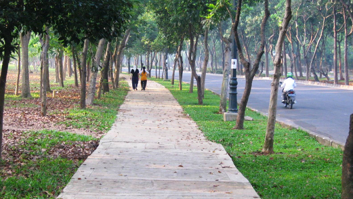 Wisata Bekasi Jababeka Botanical garden, pic: urbancikarang.com
