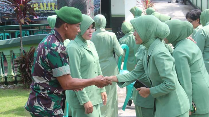 Ketua Persit KCK Cabang XVIII Dim 0703/Cilacap Kunjungi Persit Ranting Jajarannya