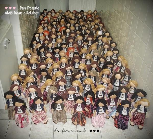 Exército de bonecas parteiras para o II SIAPARTO