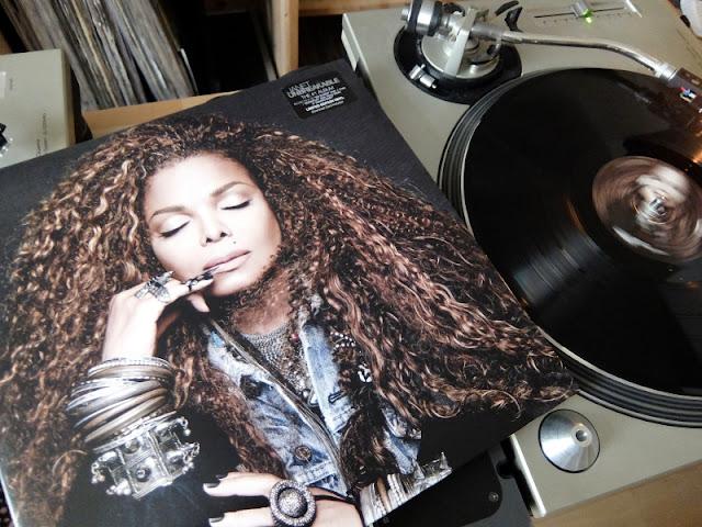 Unbreakable / Janet jacksonのアナログレコードの写真です。