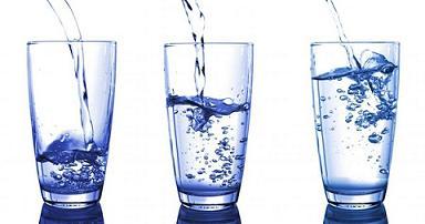 Mitos Minum 2 Liter Air